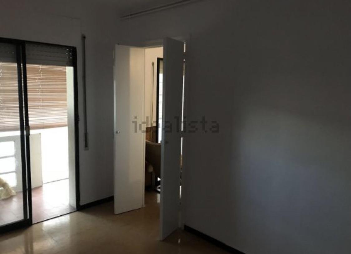 Imagen 4 Piso en venta en Girona / Pis ideal per invertir al costat del Corte Inglés.