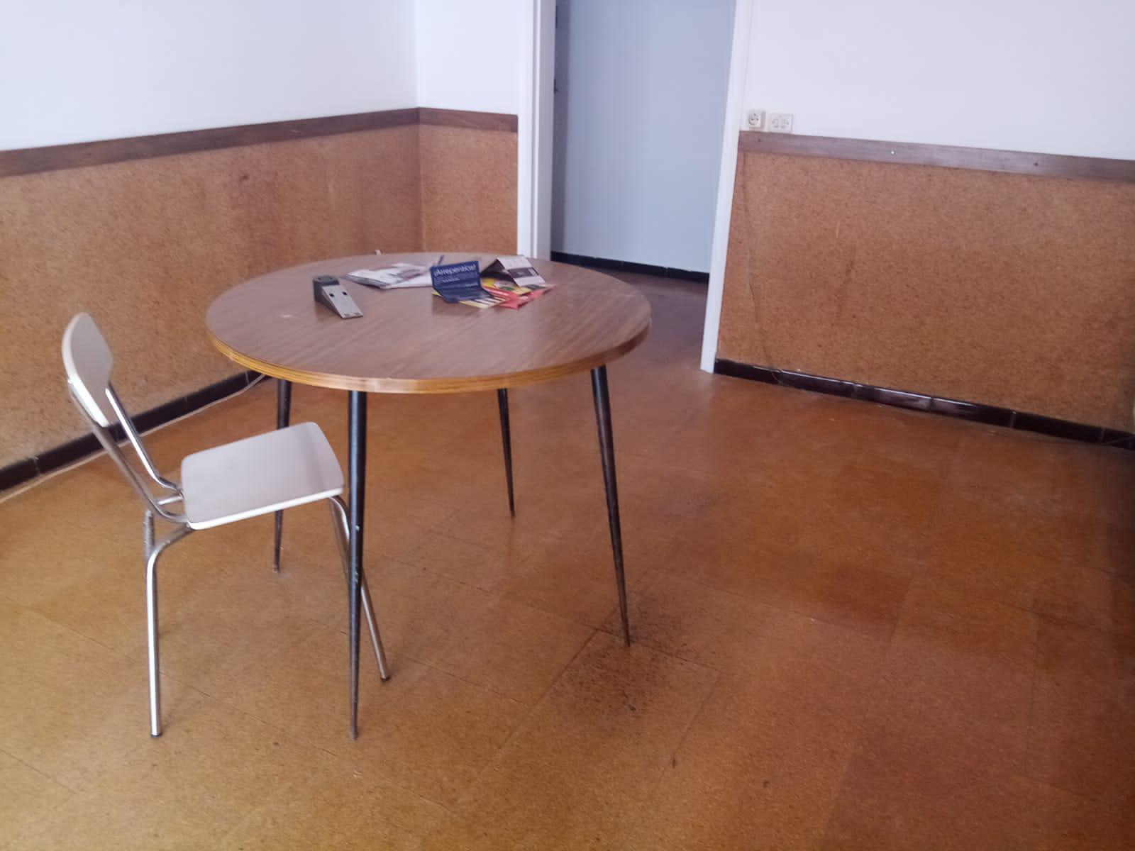 Imagen 2 Piso en venta en Girona / Pis ideal per invertir al costat del Corte Inglés.
