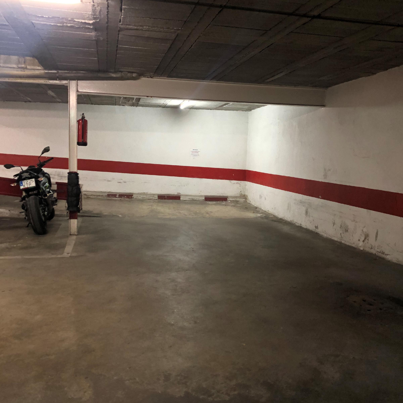 Imagen 4 Parking Coche en venta en Girona / Parking per a cotxe al costat de l´Institut N.Xifre