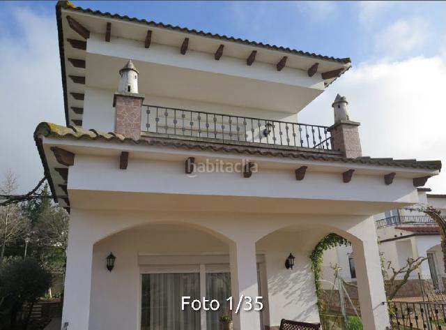 Imagen 1 Inmueble 248365 - Casa Aislada en venta en Girona / Casa independent de 5 habitacions a Taiala.