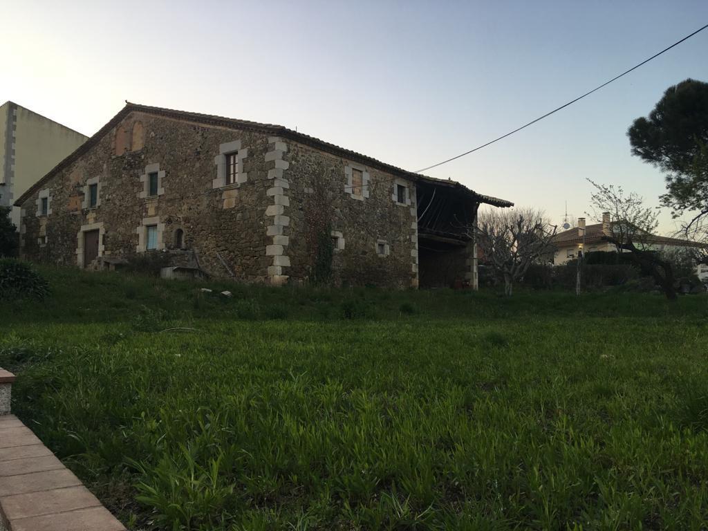 Imagen 1 Casa Rústica en venta en Aiguaviva / Masia i casa annexa en terreny de 1.575m2 a Aiguaviva