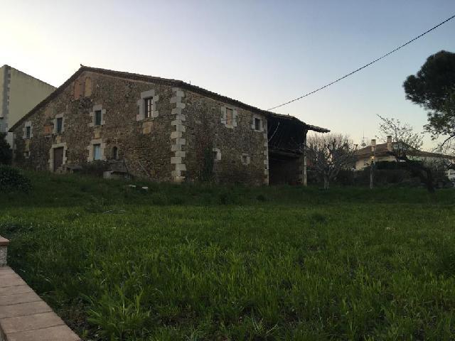 Imagen 1 Inmueble 248730 - Casa Rústica en venta en Aiguaviva / Masia i casa annexa en terreny de 1.575m2 a Aiguaviva