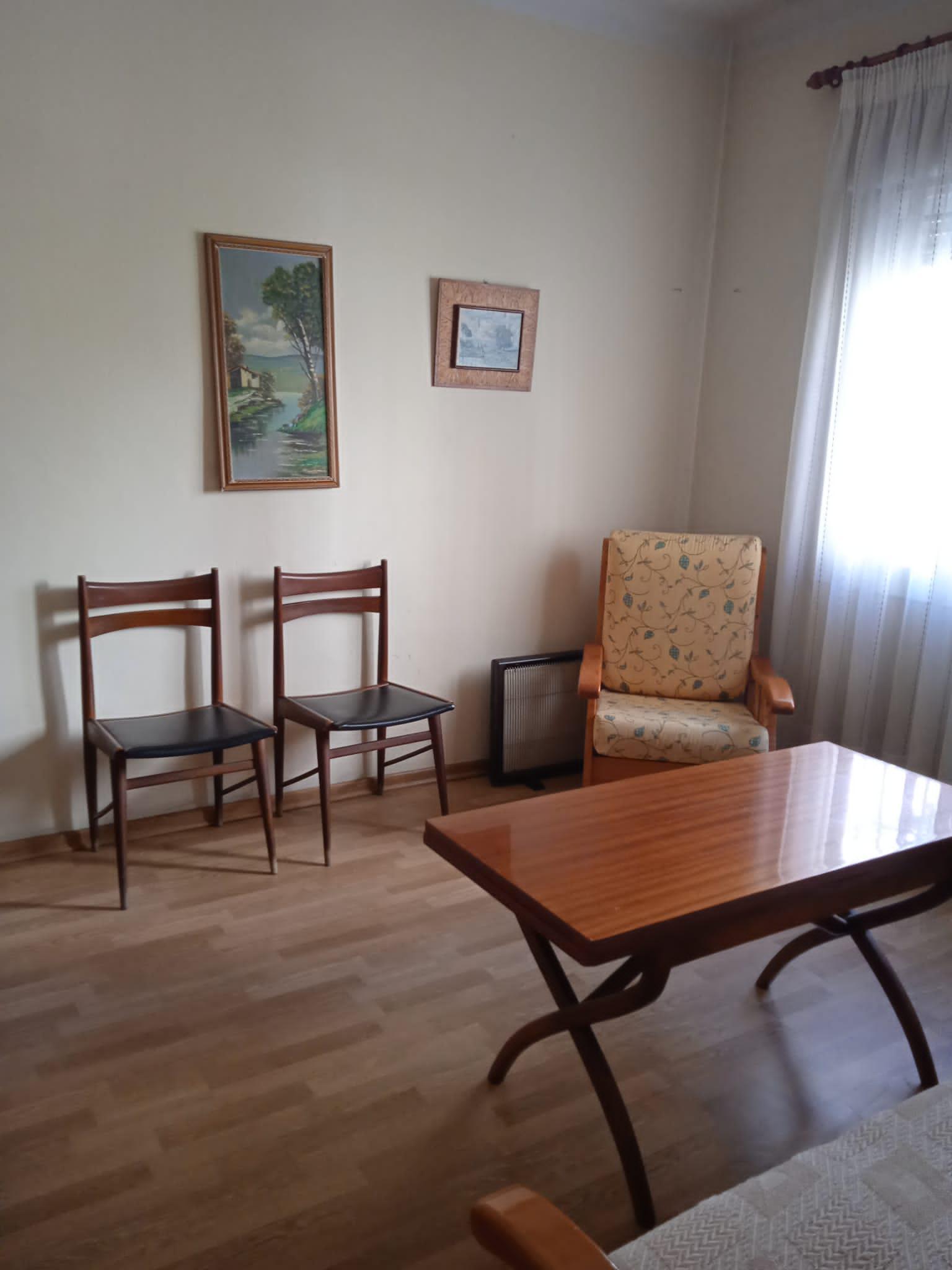 Imagen 2 Piso en venta en Girona / Pis  de 97 m2 al carrer de la creu  de Girona.