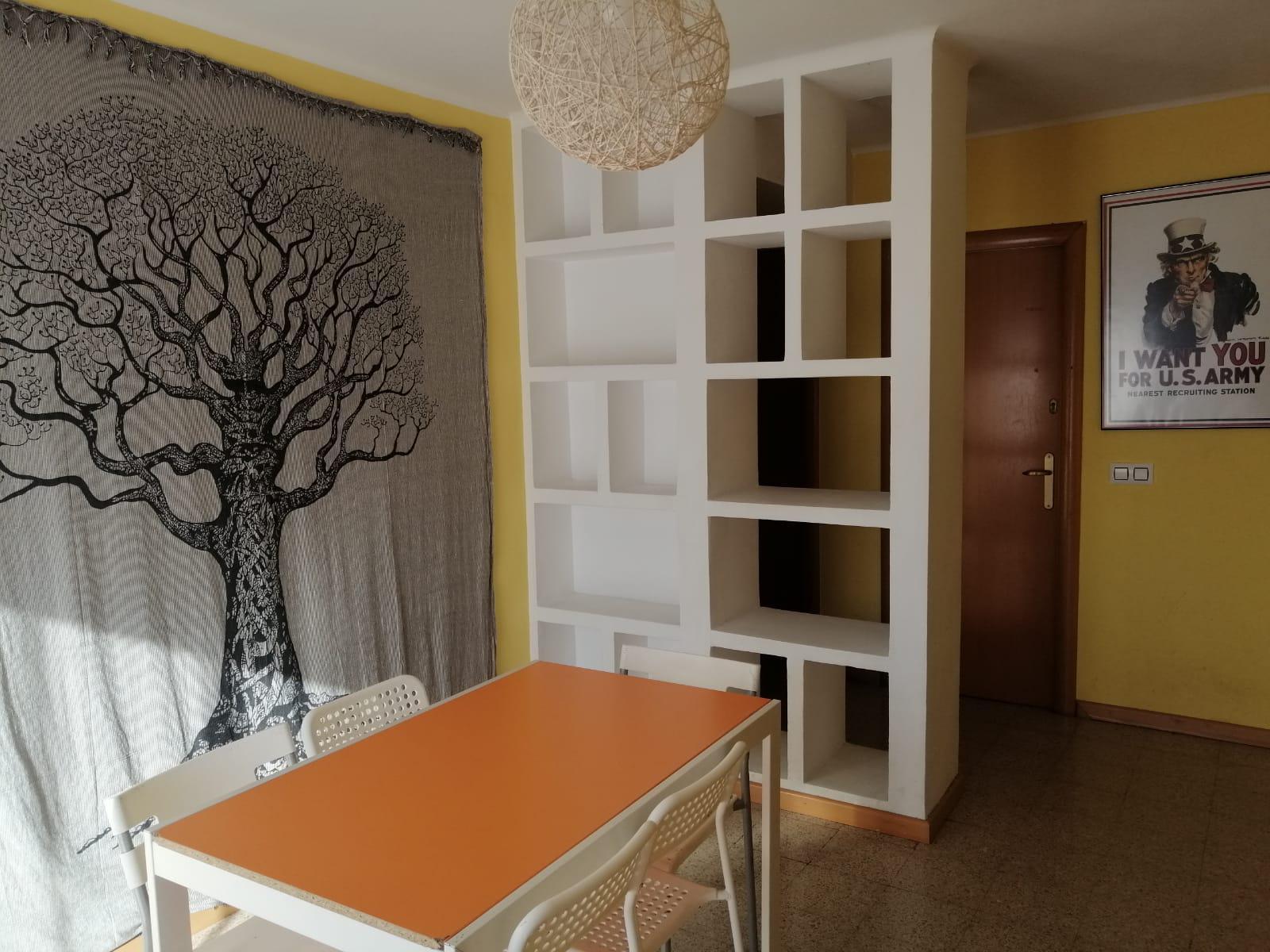 Imagen 2 Piso en venta en Girona / Pis al costat del Hipercor consta de 87m2 i 3h