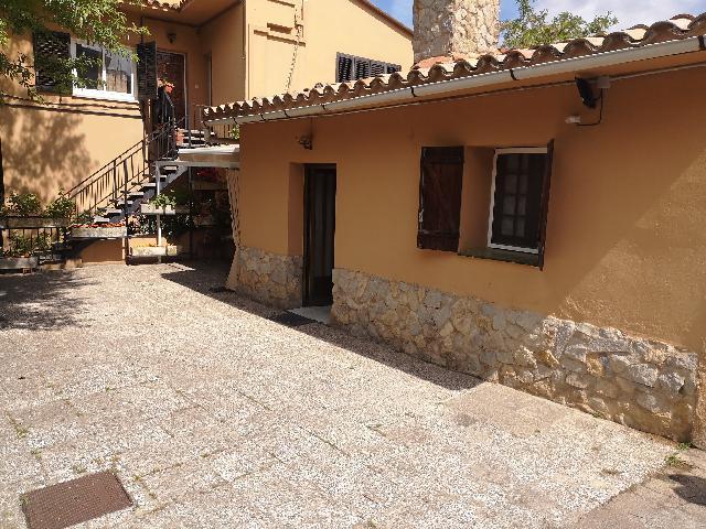 Imagen 1 Inmueble 251454 - Casa Adosada en alquiler en Girona / Casa de lloguer al costat de la Universitat del B. Vell