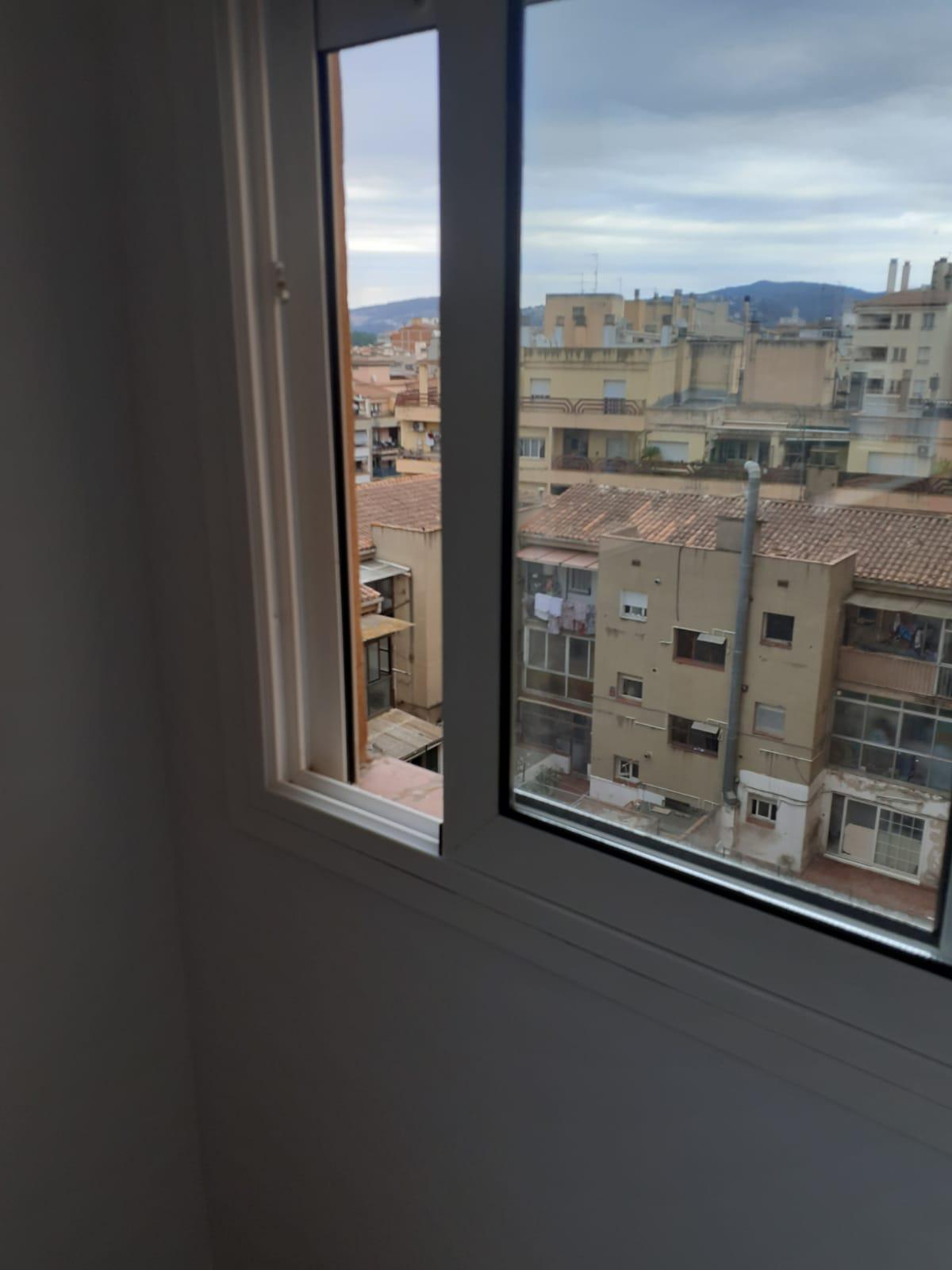 Imagen 4 Piso en venta en Girona / Pis de 83 m2 3 habitacions a l´inici de Paisos Catalans
