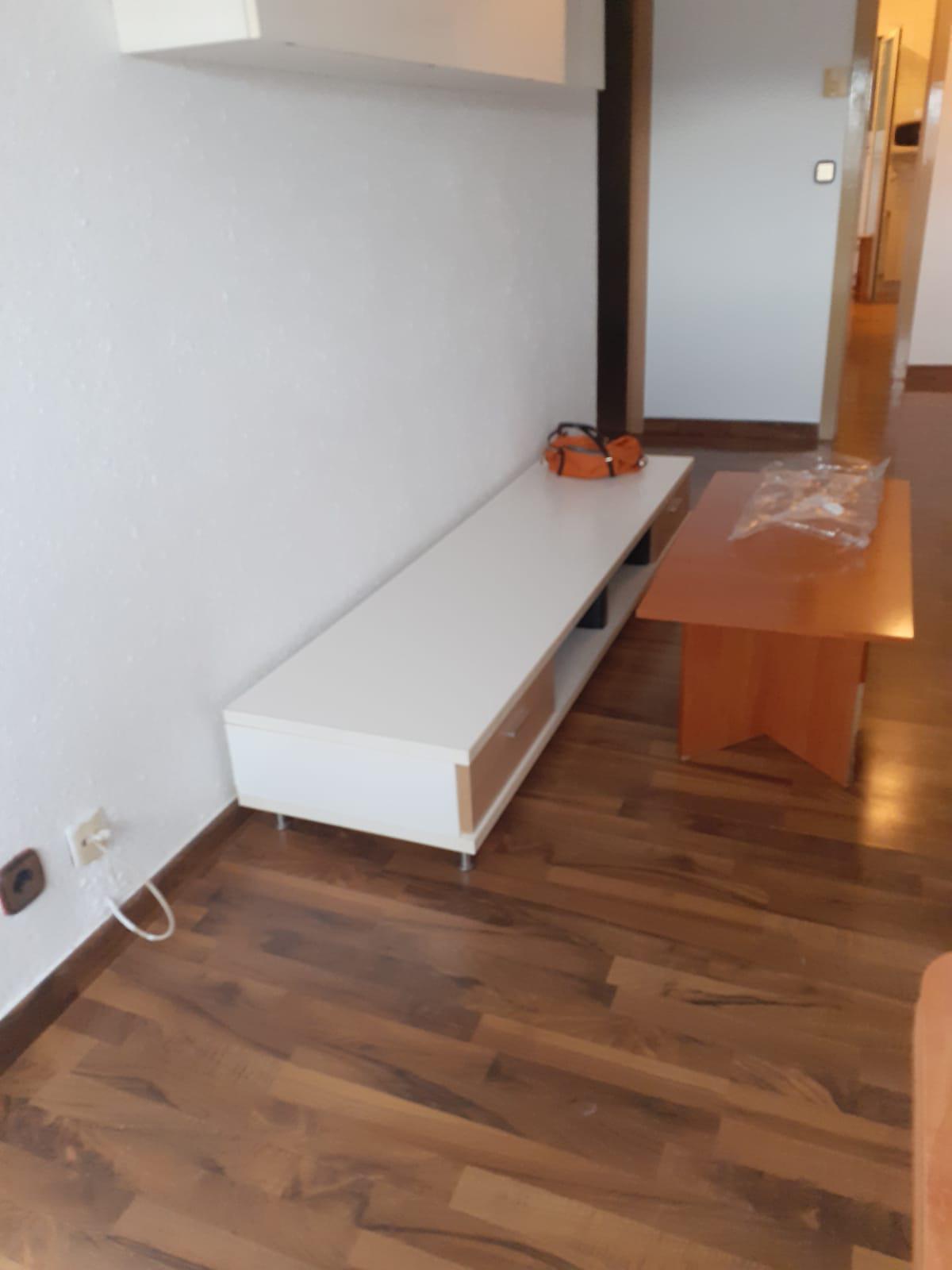 Imagen 2 Piso en venta en Girona / Pis de 83 m2 3 habitacions a l´inici de Paisos Catalans