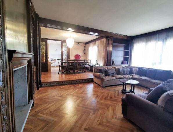 Imagen 1 Inmueble 252847 - Piso en venta en Girona / Fantastic pis amb vistes de 296m2 al centre de Girona