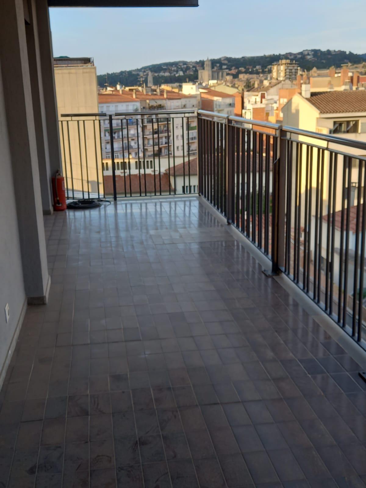 Imagen 2 Piso en venta en Girona / Fantastic pis amb vistes de Girona a l´Eixample