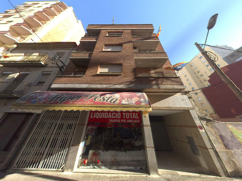 Imagen 2 Parking Coche en venta en Girona / Plaça de parking mitjana - gran al carrer Balmes