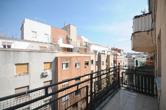 Imagen 1 Inmueble 230607 - Piso en venta en Hospitalet De Llobregat (L´) / Junto Metro Can Vidalet
