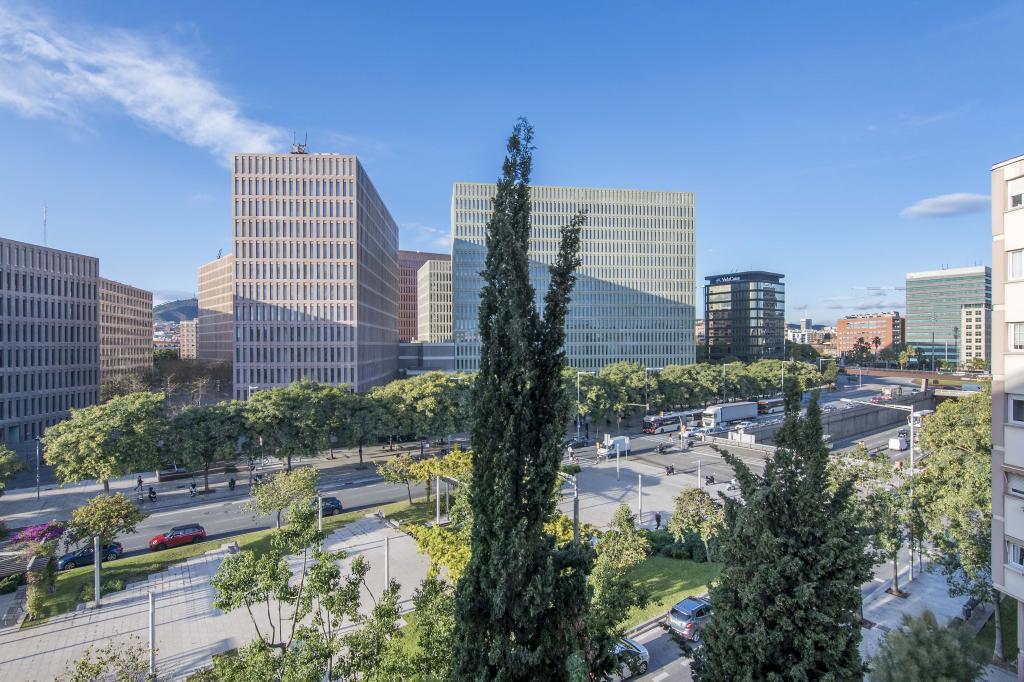 235370 - Plaça Ildefons Cerdà - Ciutat de la Justícia