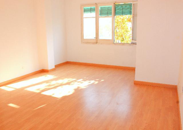 Imagen 1 Inmueble 244446 - Piso en venta en Hospitalet De Llobregat (L´) / Avda Carrilet Junto Avda. Fabregada