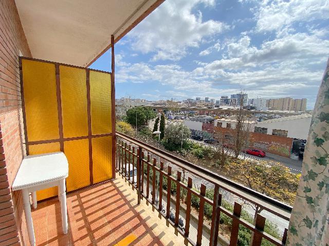 Imagen 1 Inmueble 251244 - Piso en venta en Hospitalet De Llobregat (L´) / Junto Avda. enric Prat de la Riba