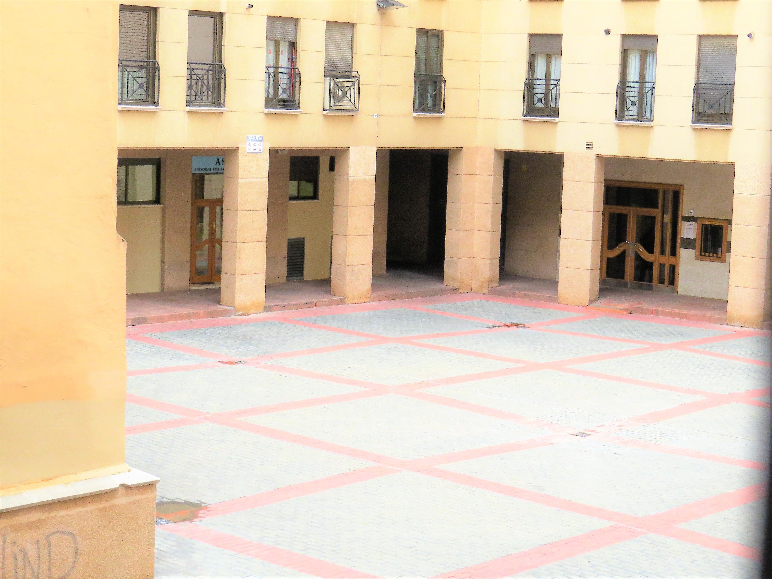 Imagen 3 Oficina Comercial en alquiler en Zaragoza / Junto Plaza del Pilar