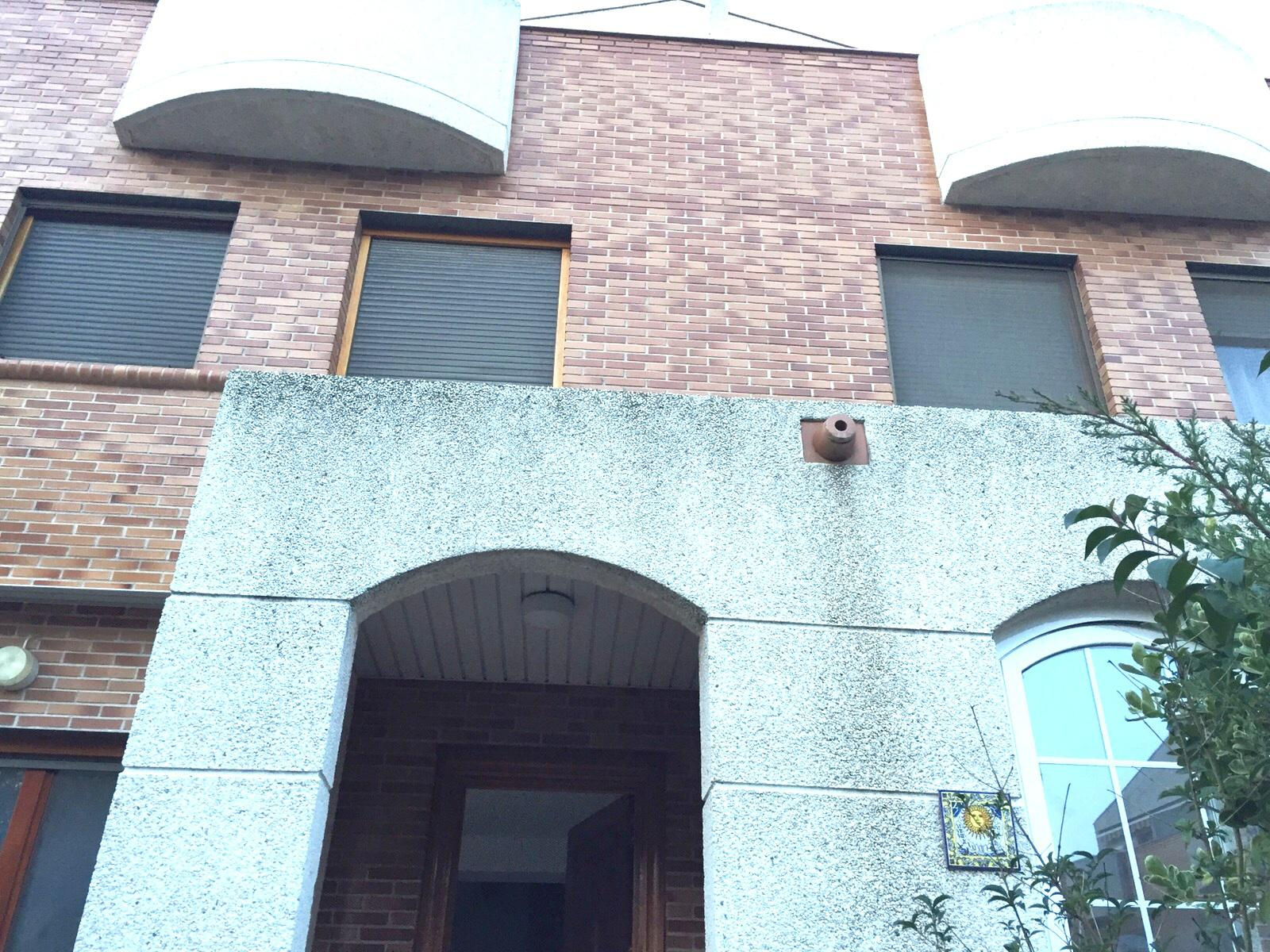 Casa adosada miralbueno zaragoza zaragoza 146555 for Piscina miralbueno