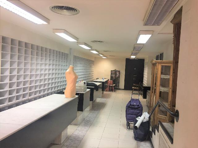 Imagen 1 Inmueble 206629 - Local Comercial en alquiler en Zaragoza / Junto a la zona de la universidad