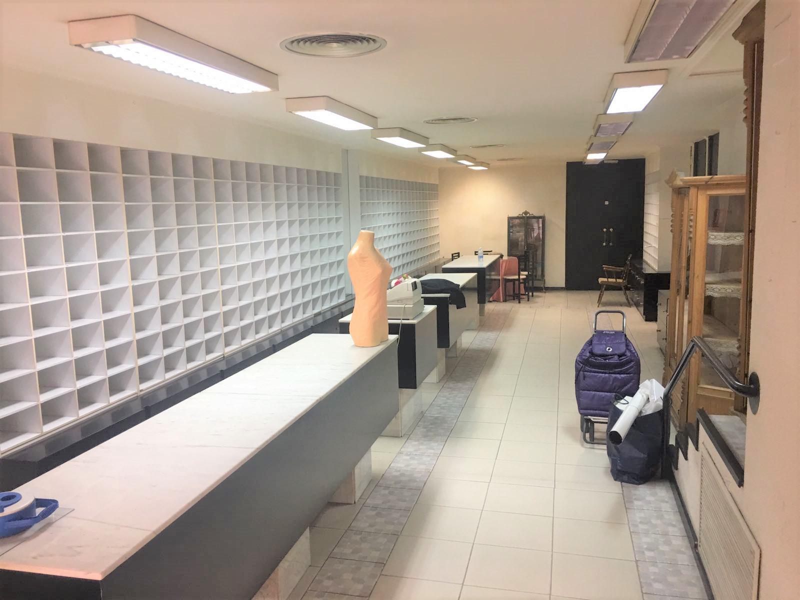 Imagen 3 Local Comercial en alquiler en Zaragoza / Junto a la zona de la universidad
