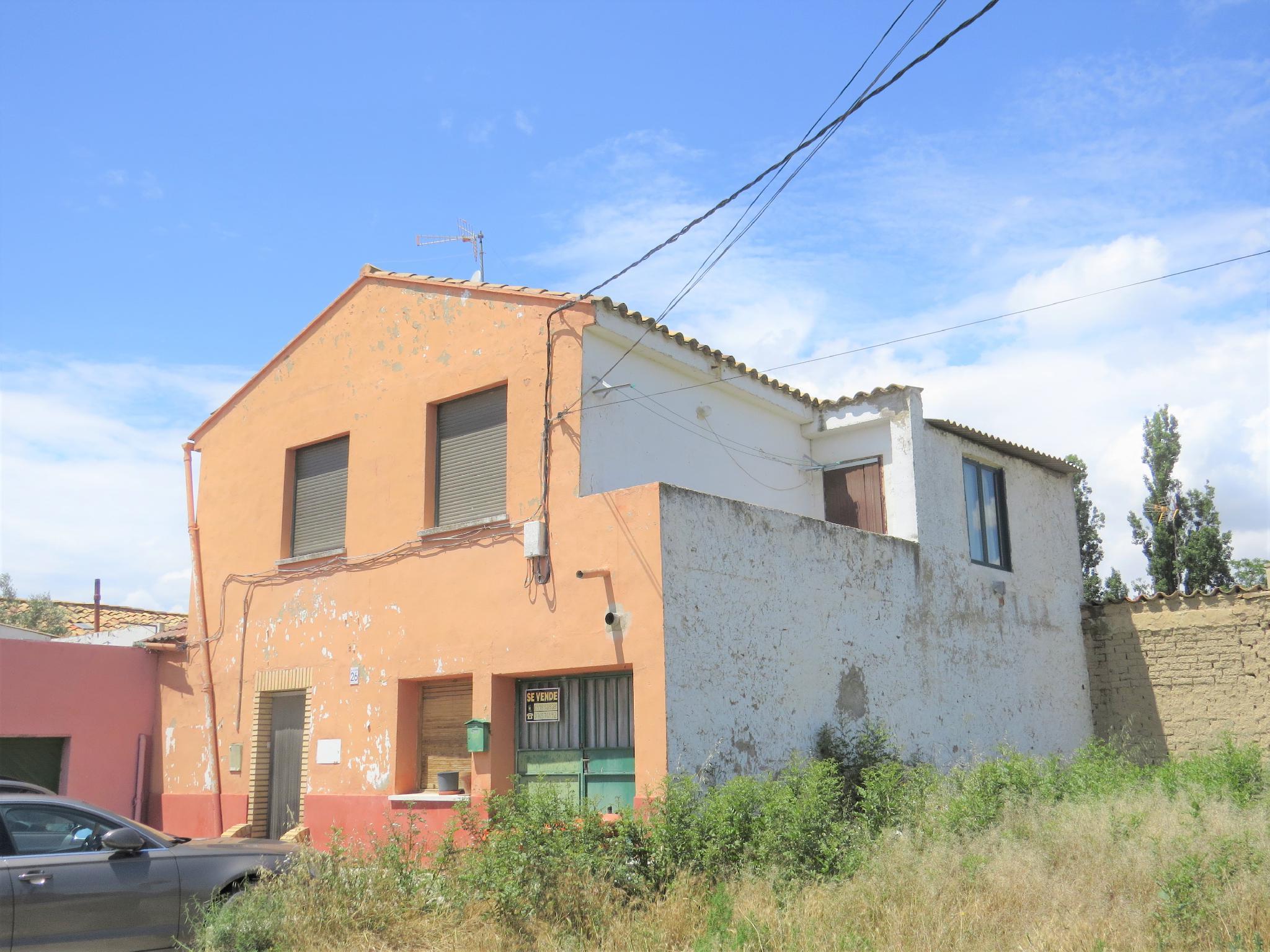 Venta De Casas Y Pisos En La Zona Montañana Zaragoza Capital