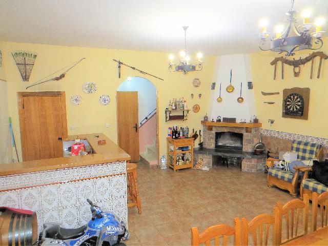 Imagen 1 Inmueble 215066 - Casa Adosada en venta en Zaragoza / En el centro de Casetas