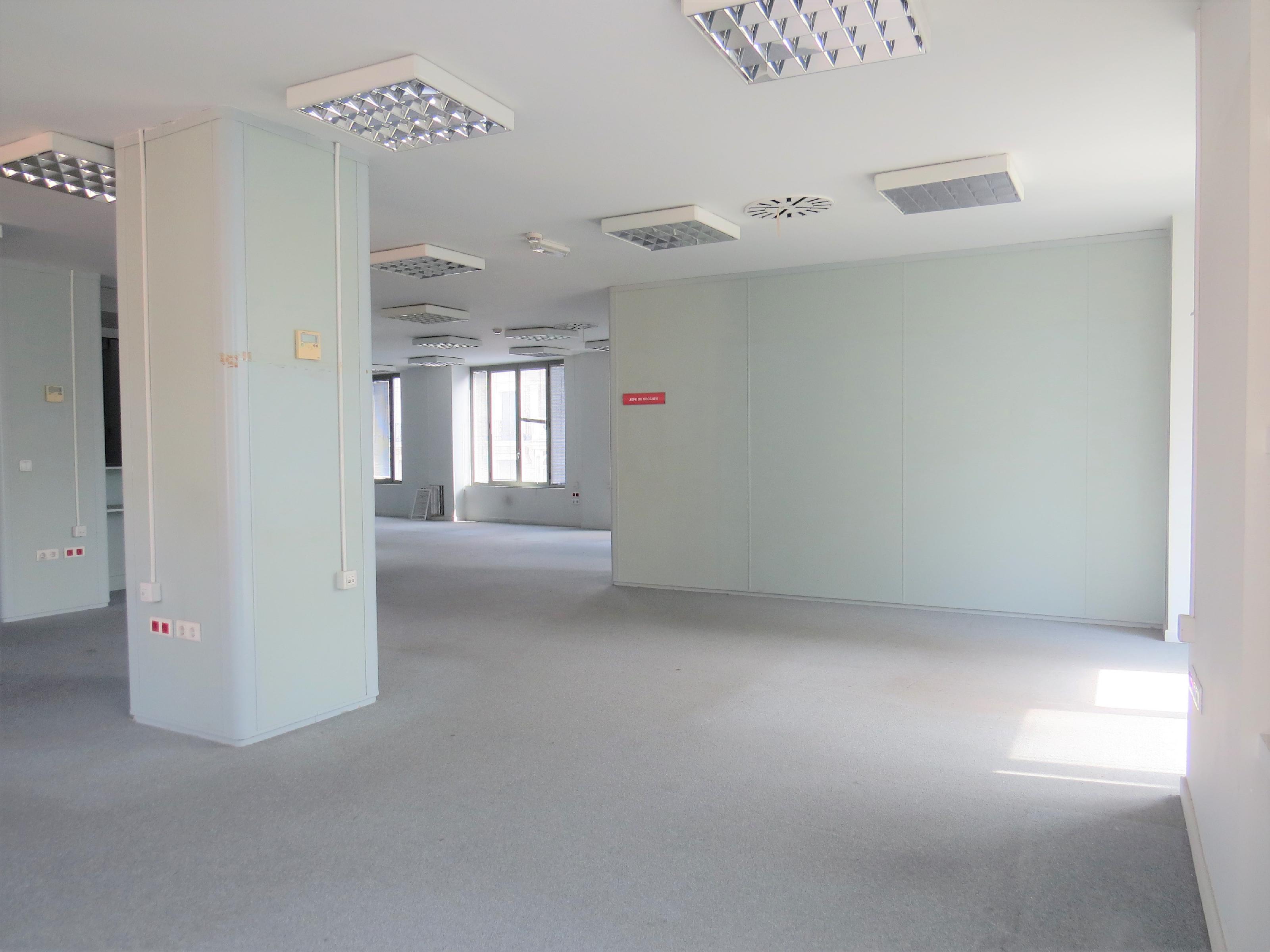 Imagen 4 Oficina Comercial en alquiler en Zaragoza / Junto al tranvia