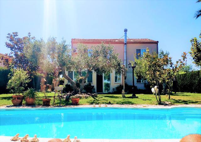 Imagen 1 Inmueble 247363 - Casa Aislada en venta en Pinseque / Urbanización en Pinseque