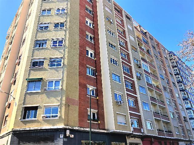 Imagen 1 Inmueble 248194 - Piso en venta en Zaragoza / En Ruiseñores !!!