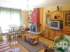 6862 - Piso en venta en Jaca / Junto al Hotel Real