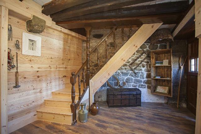 Imagen 1 Inmueble 107868 - Casa en venta en Santa Cruz De La Serós / Junto Monasterio de San Juan Peña/Parque Natural...