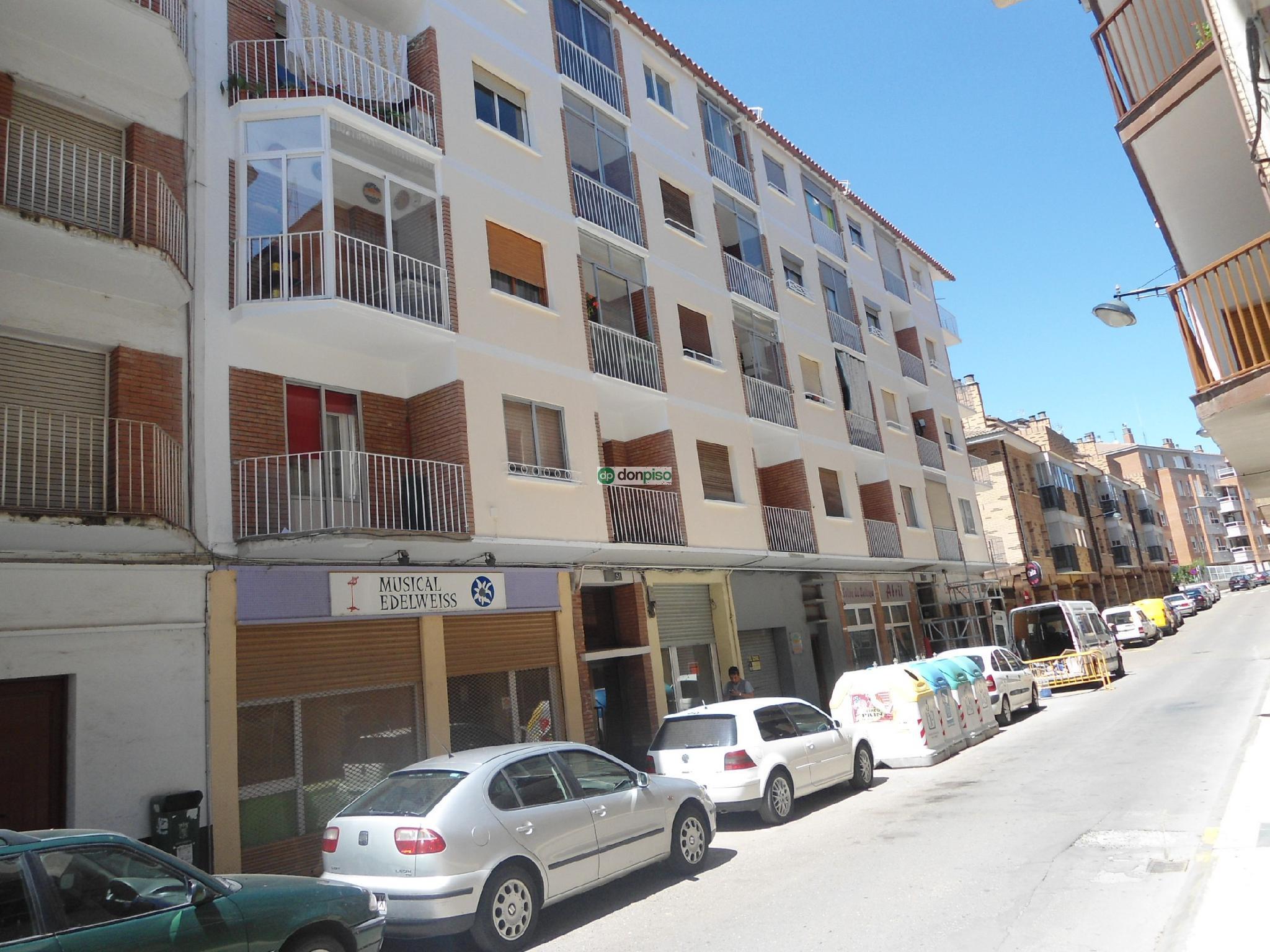 121140 - Junto a la Calle Serrablo