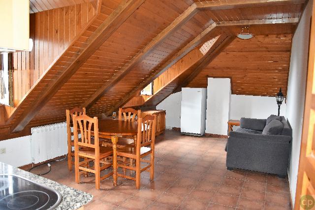 Imagen 1 Inmueble 226402 - Piso en venta en Sallent De Gállego / Junto al ayuntamiento