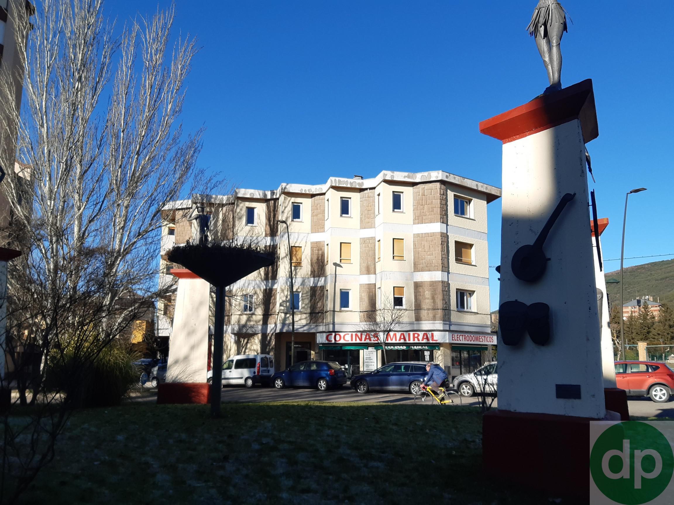 Imagen 1 Parking Coche en venta en Jaca / Junto a la Escuela Militar cde Montaña