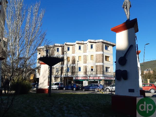 Imagen 1 Inmueble 231840 - Parking Coche en venta en Jaca / Junto a la Escuela Militar cde Montaña
