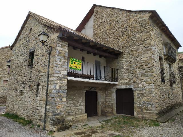 Imagen 1 Inmueble 235496 - Casa en venta en Jaca / Casa Simón, en la mejor zona del pueblo