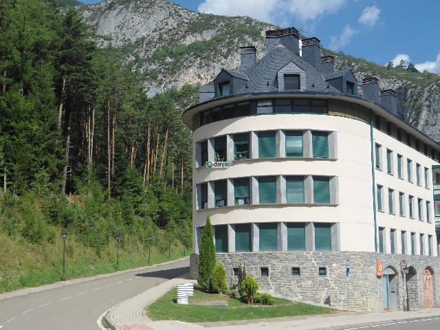Imagen 1 Inmueble 239951 - Piso en venta en Canfranc / Enfrente de la Estación Internacional de Canfranc
