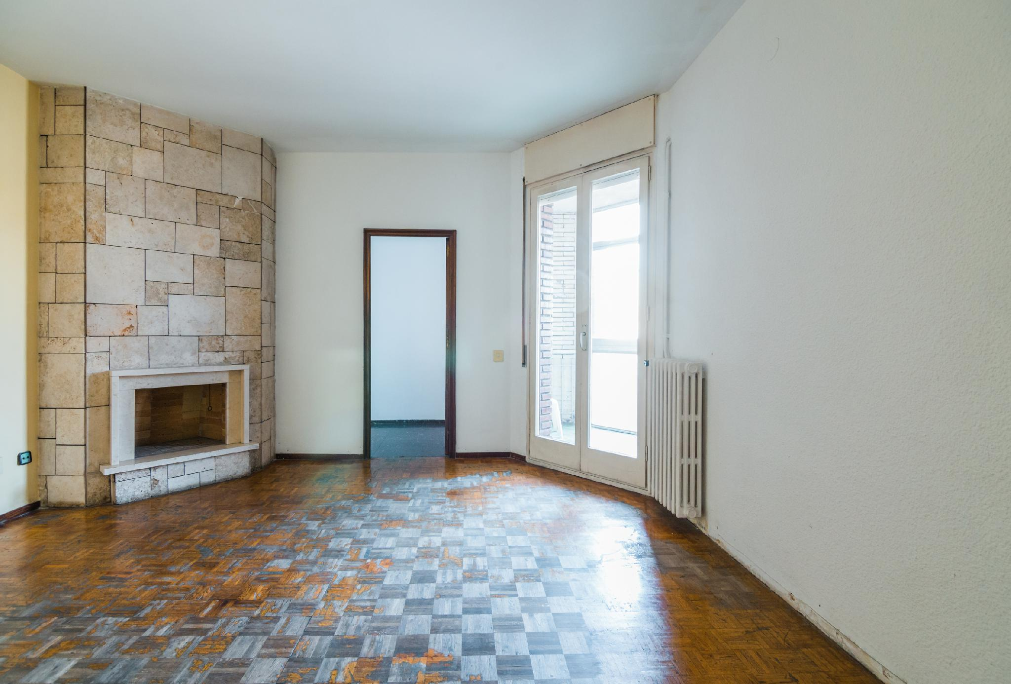 181303 - Junto calle Sardenya