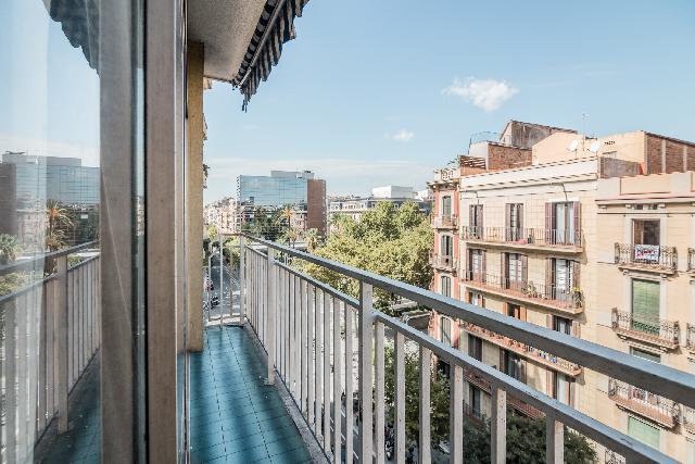 Imagen 1 Inmueble 211998 - Piso en venta en Barcelona / Esquina Paseo Sant Joan