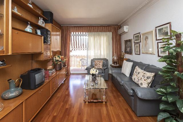 Imagen 1 Inmueble 236488 - Piso en venta en Barcelona / Valencia-Castillejos