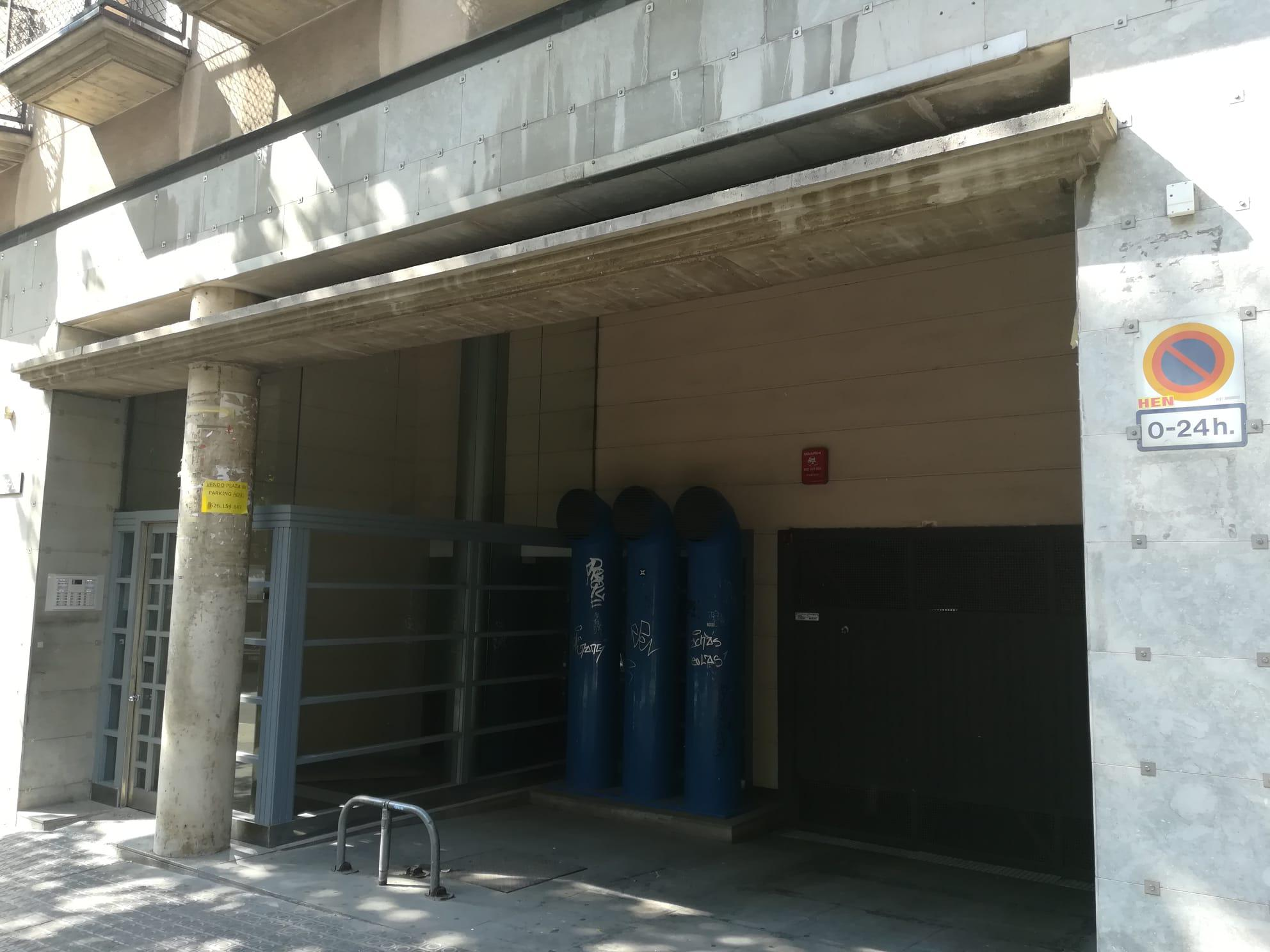 Imagen 3 Parking Coche en venta en Barcelona / Calle Marina entre Rossellon y Porvenza.