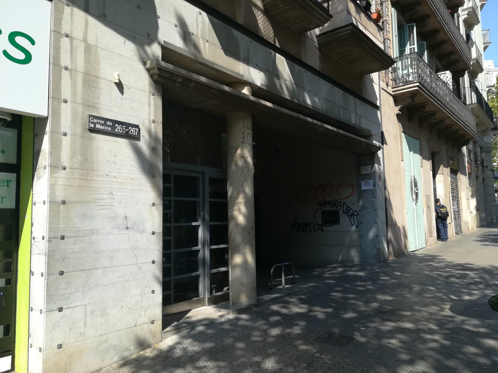 Imagen 4 Parking Coche en venta en Barcelona / Calle Marina entre Rossellon y Porvenza.