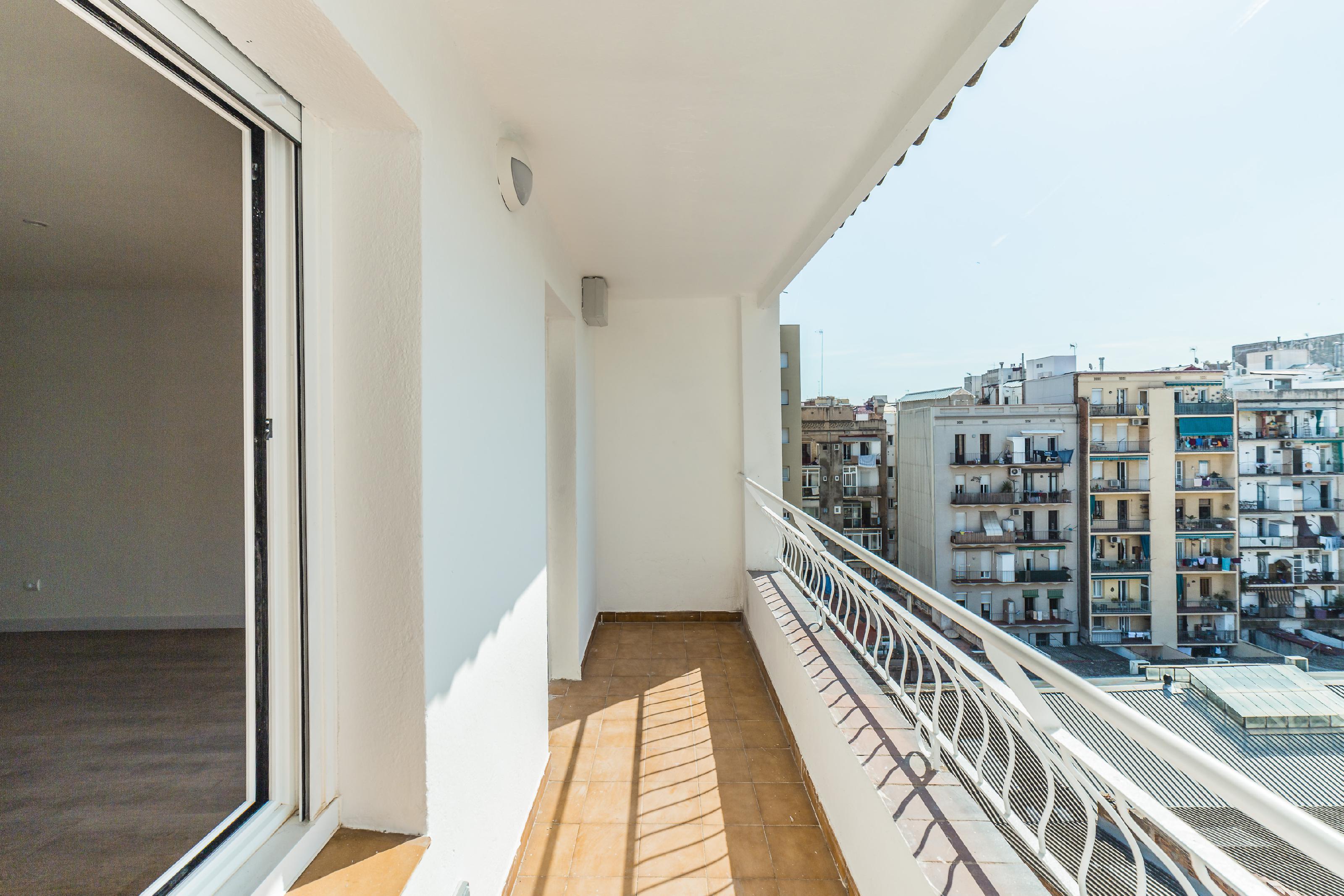 Imagen 2 Piso en venta en Barcelona / Valencia - Sardenya
