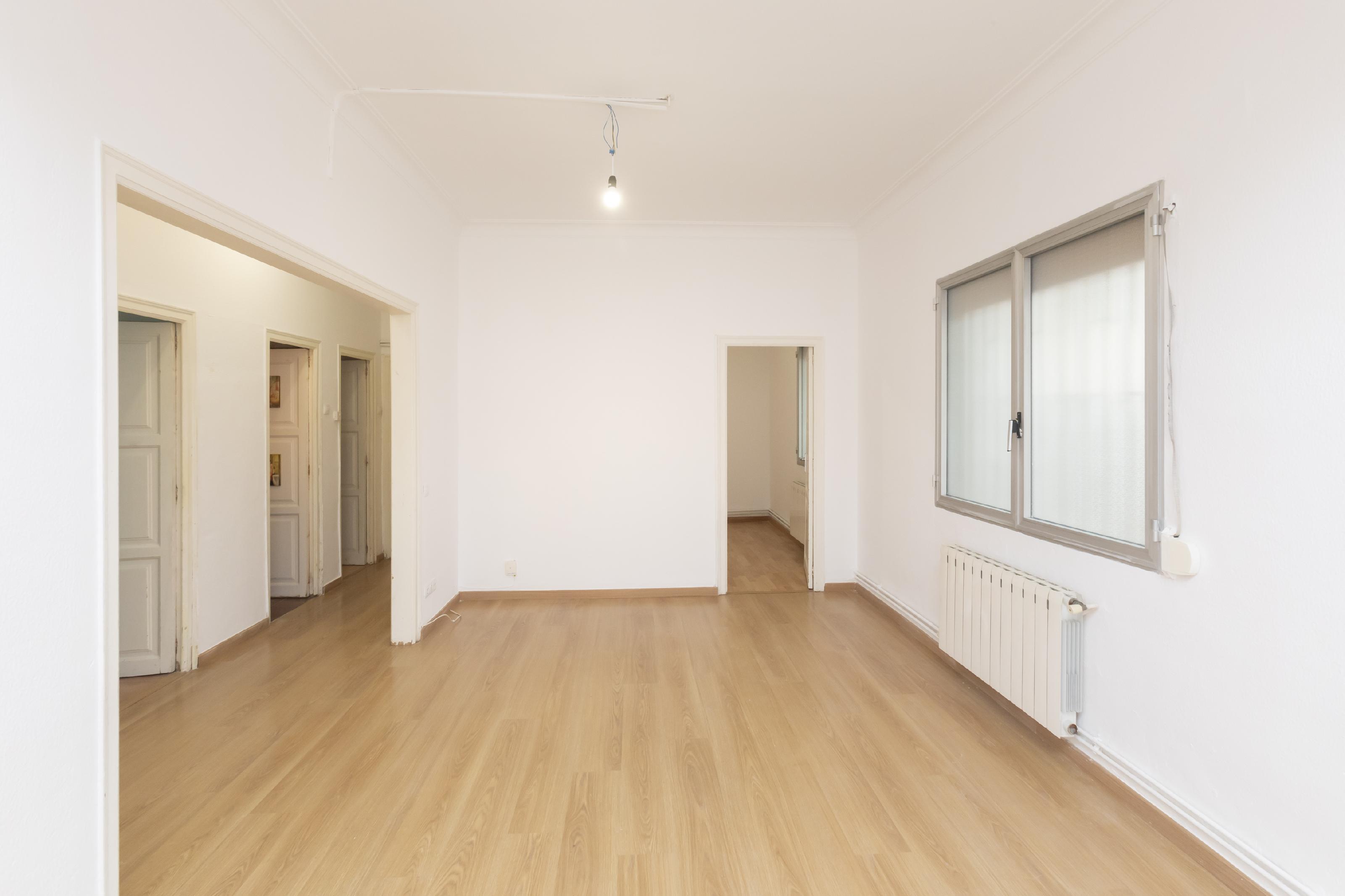Imagen 2 Piso en venta en Barcelona / Concili de Trento - Treball
