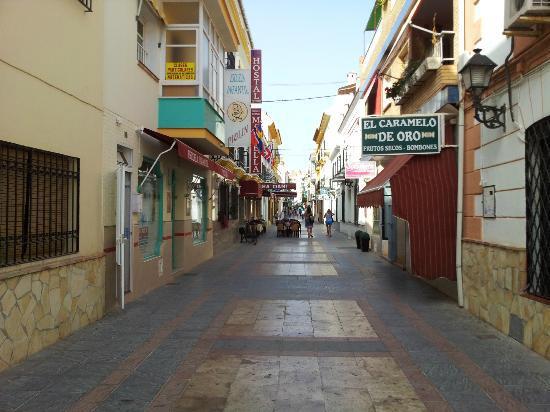 Imagen 1 Inmueble 170021 - Local Comercial en alquiler en Fuengirola / En el corazón de Fuengirola, calle comercial