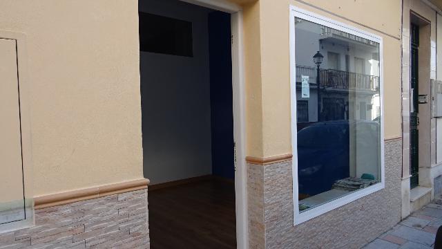 Imagen 1 Inmueble 215561 - Local Comercial en venta en Fuengirola / Calle Iglesia, Los Boliches.