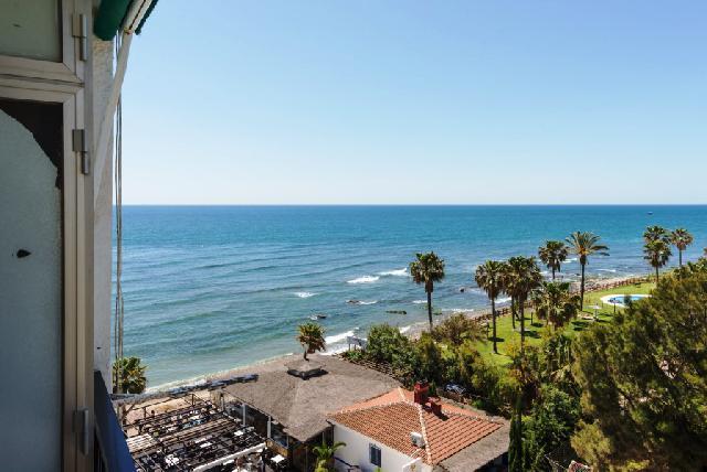 Imagen 1 Inmueble 226954 - Apartamento en venta en Mijas / Primera Línea de Playa en Calahonda.