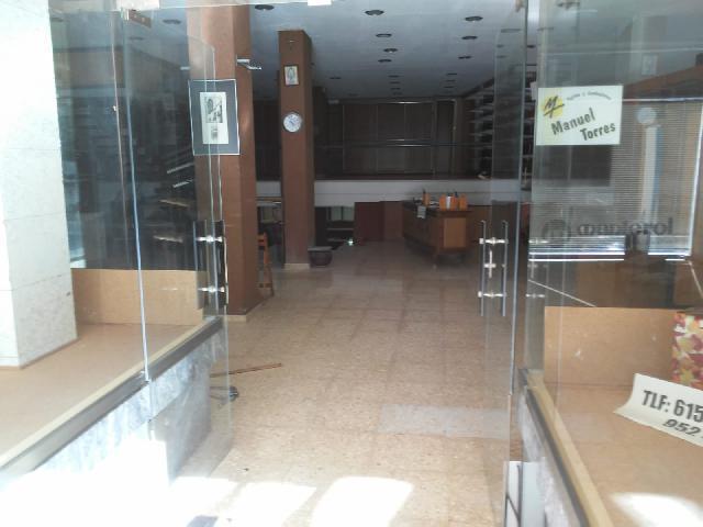 Imagen 1 Inmueble 230551 - Local Comercial en venta en Coín / Calle Doctor Palamo y Anaya