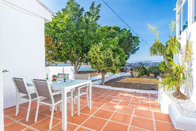 Imagen 1 Inmueble 243055 - Casa en venta en Alhaurín De La Torre / Urbanización Pinos de Alhaurin