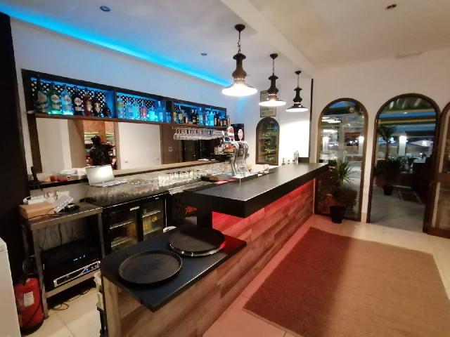 Imagen 1 Inmueble 244559 - Local Comercial en venta en Mijas / Centro comercia El Zoco de Calahonda