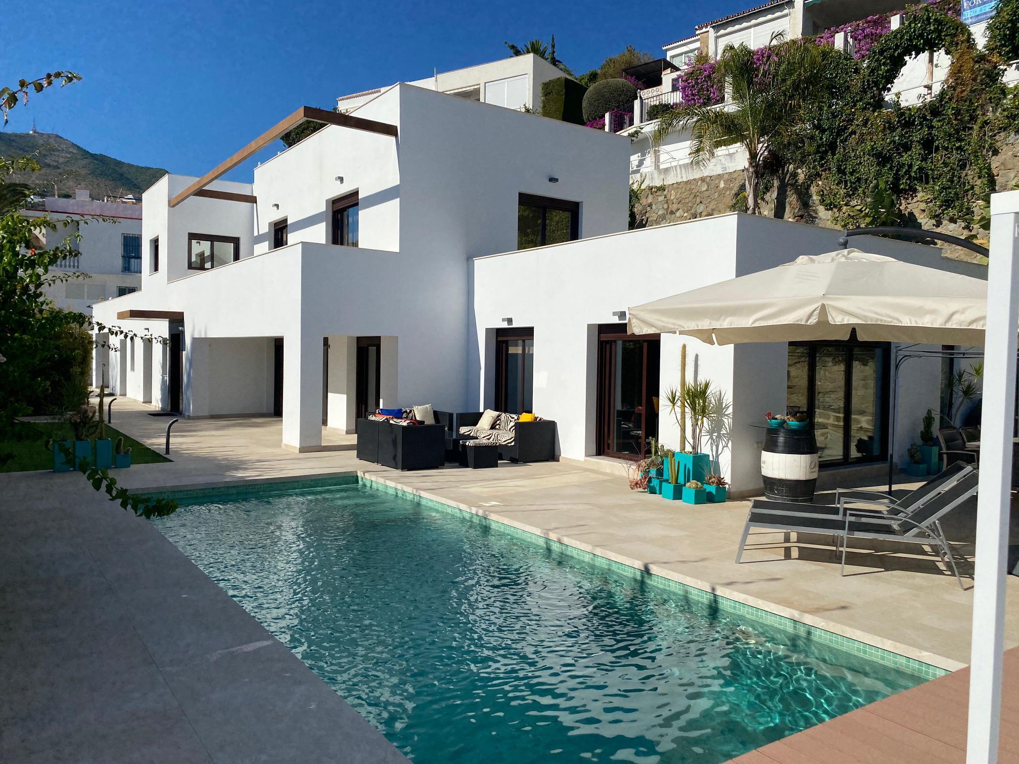 Imagen 1 Casa Aislada en venta en Benalmádena / Cerca del British College en Torremuelle
