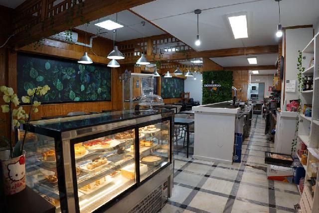 Imagen 1 Inmueble 250688 - Local Comercial en alquiler en Málaga / Zona Barrio El Torcal